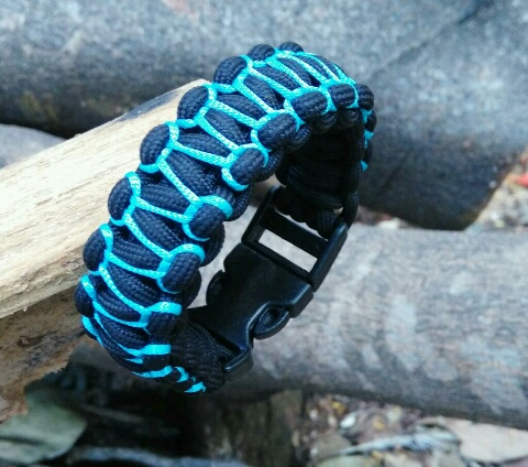 Herringbone Stitched Paracord Survival Bracelet